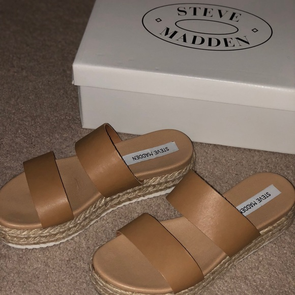 157ec4ae525 Steve Madden Amaze sandals!